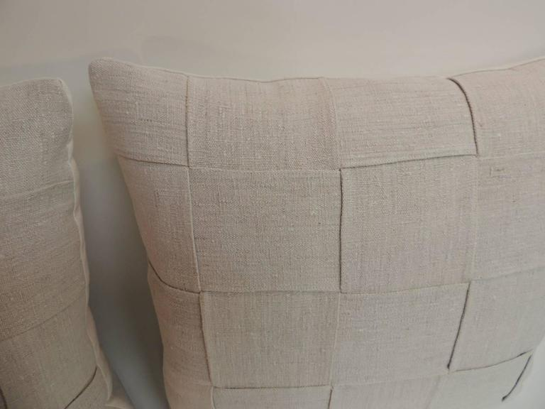 Hand-Crafted Pair of 19th Century Homespun French Antique Linen Pillows For Sale