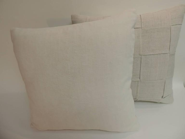 Pair of 19th Century Homespun French Antique Linen Pillows For Sale 2
