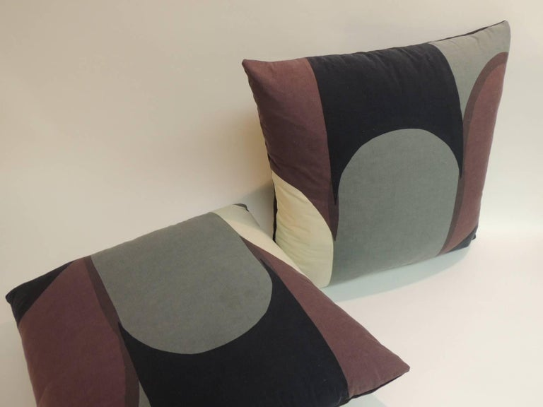 Modern Graphic Pillows : Pair of Vintage Graphic Modern Decorative Pillows For Sale at 1stdibs