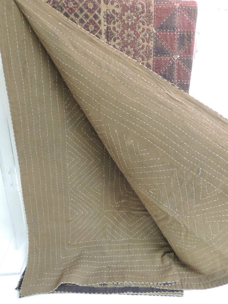 Large Vintage Quilted Indian Khanta King Size Blanket In Excellent Condition For Sale In Oakland Park, FL