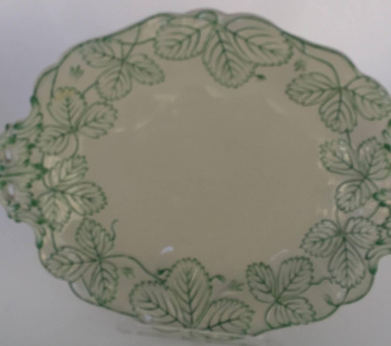 English Majolica Porcelain 19th Century Dessert Service In Excellent Condition For Sale In Hudson, NY