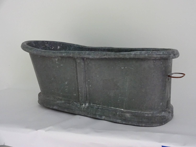 19th century zinc baby bathtub for sale at 1stdibs. Black Bedroom Furniture Sets. Home Design Ideas