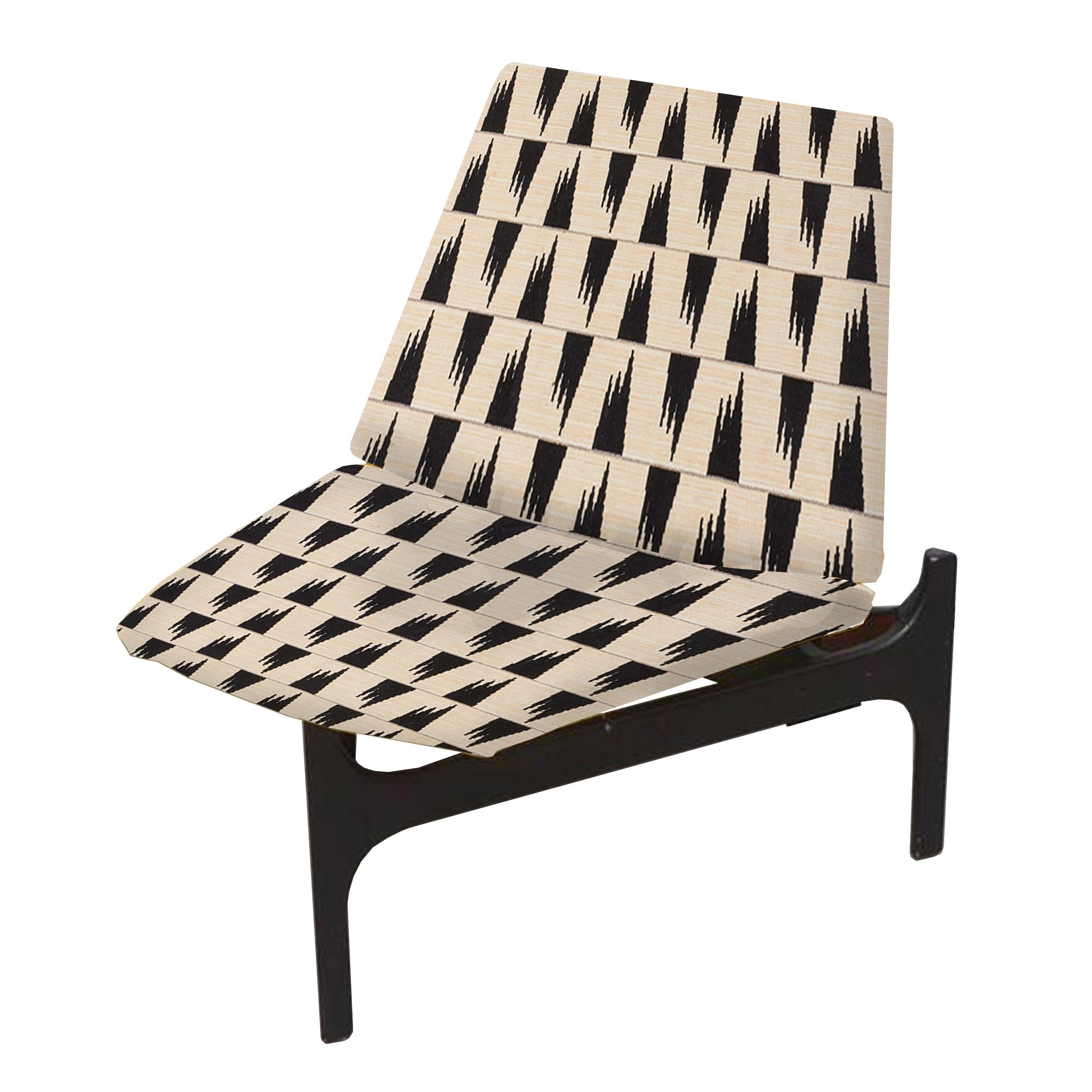 A Pair Of Walnut Lounge Chairs By Lou Hodges At 1stdibs