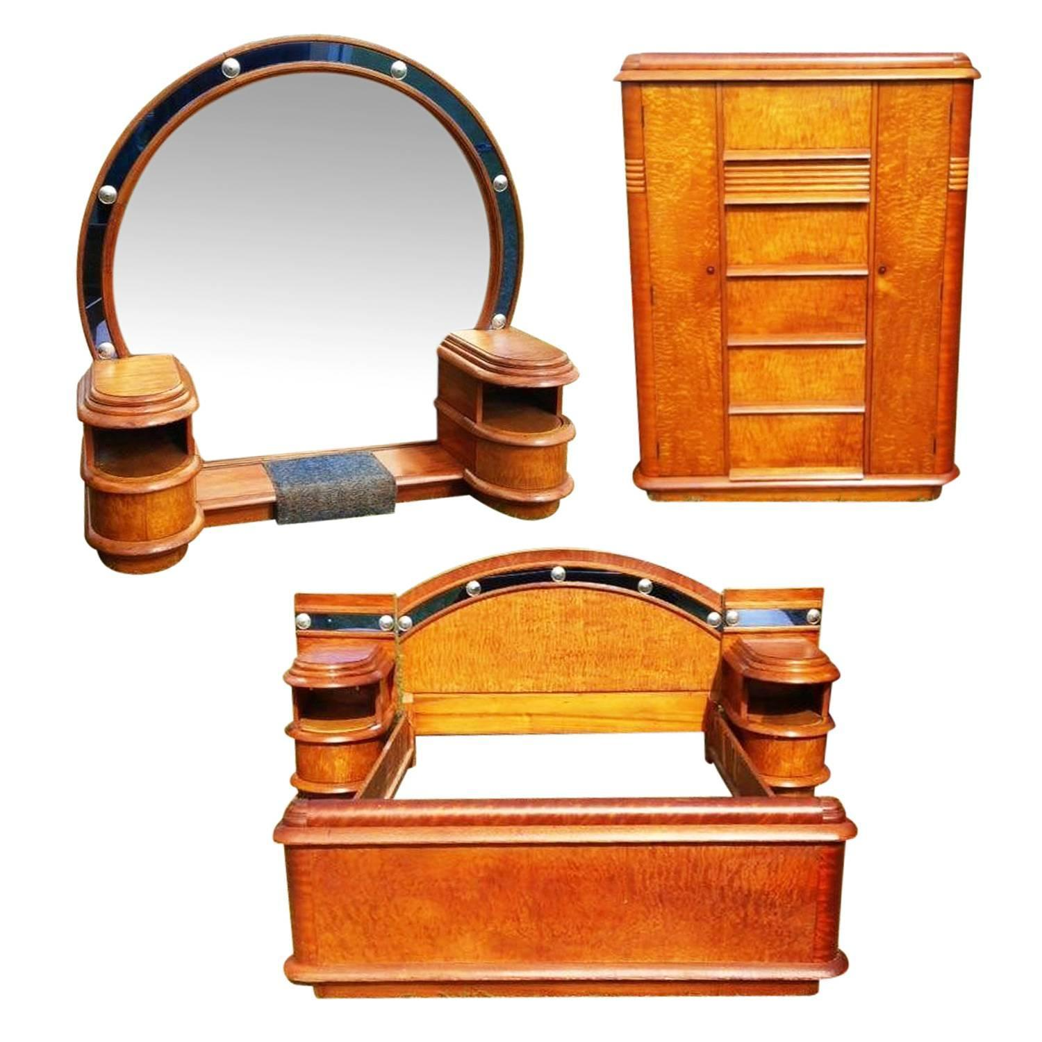 Grand Hollywood Art Deco Cobalt Blue Glass And Birds Eye Maple Bedroom Set For Sale At 1stdibs