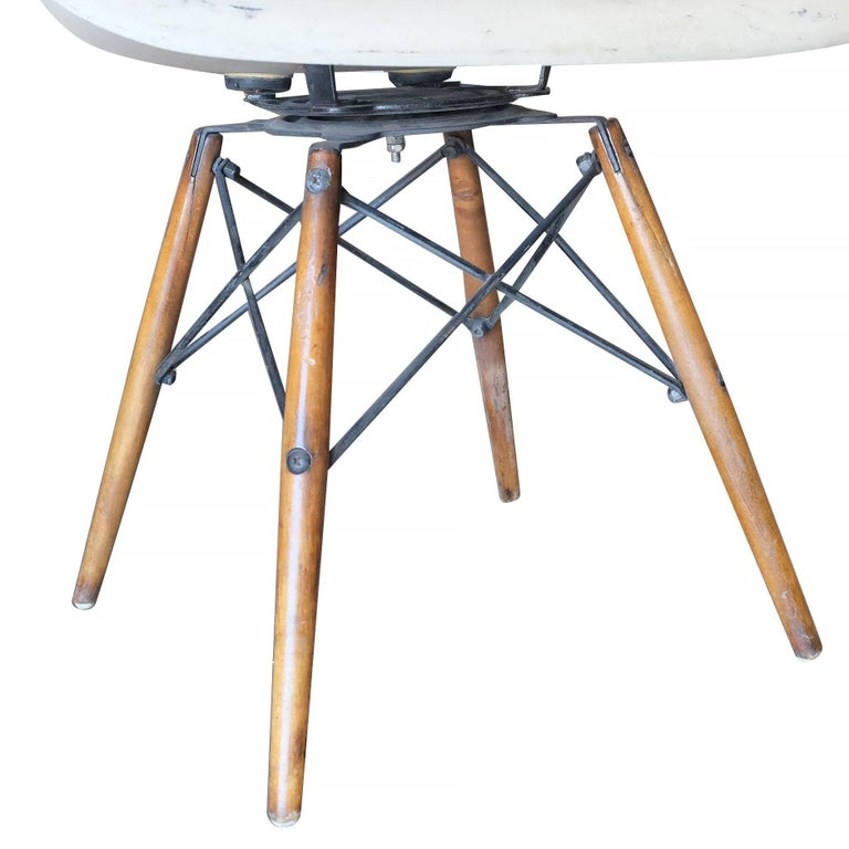 Eames Daw Molded Fiberglass Armchair With Dowel Base For