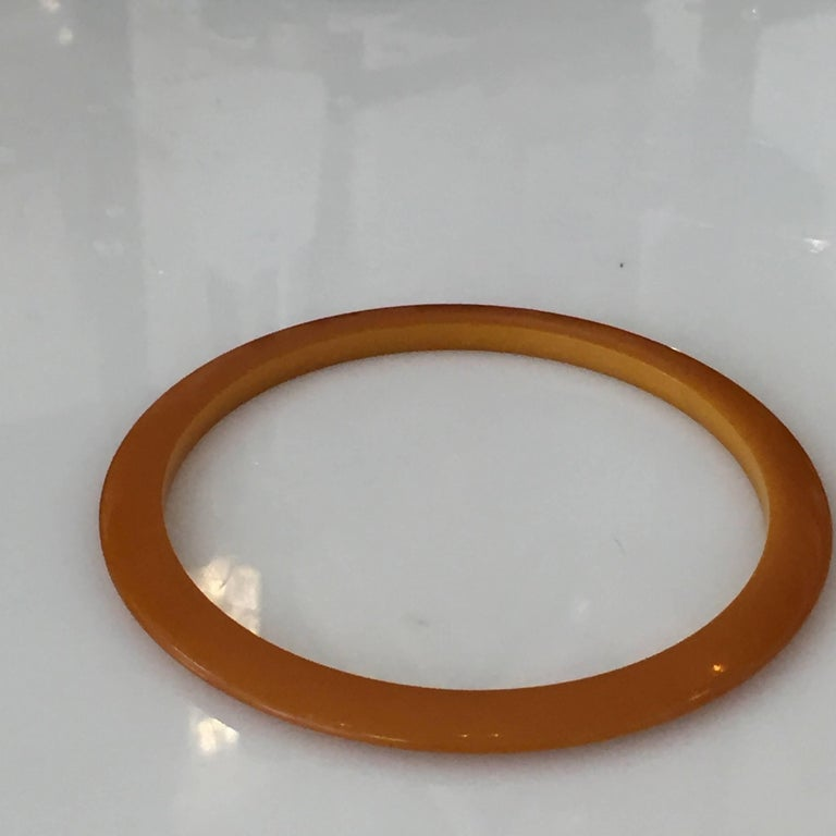Authentic Art Deco Butterscotch Amber Bakelite Bangle Bracelet In Excellent Condition For Sale In Van Nuys, CA