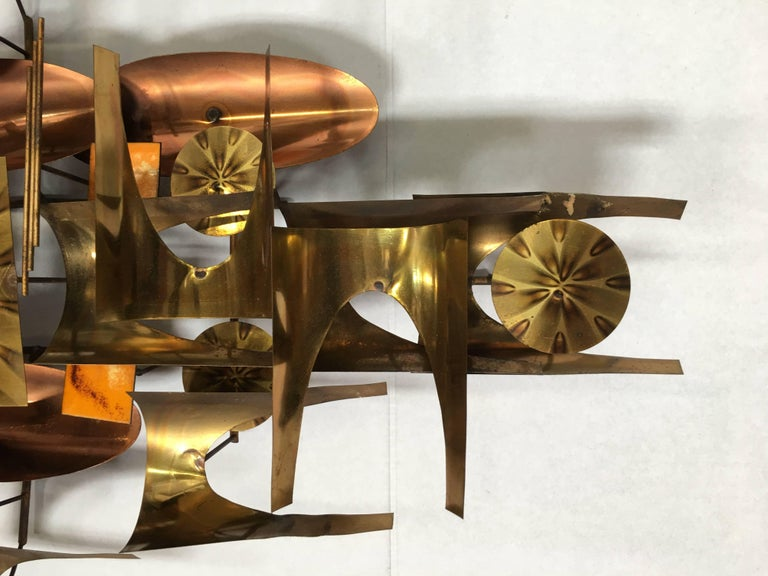 William Vose for Curtis Jere Brass and Copper Brutalist Wall Sculpture Clock For Sale 1