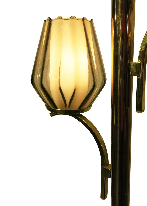 tension pole lamp this lamp features a unique tension pole lamp. Black Bedroom Furniture Sets. Home Design Ideas