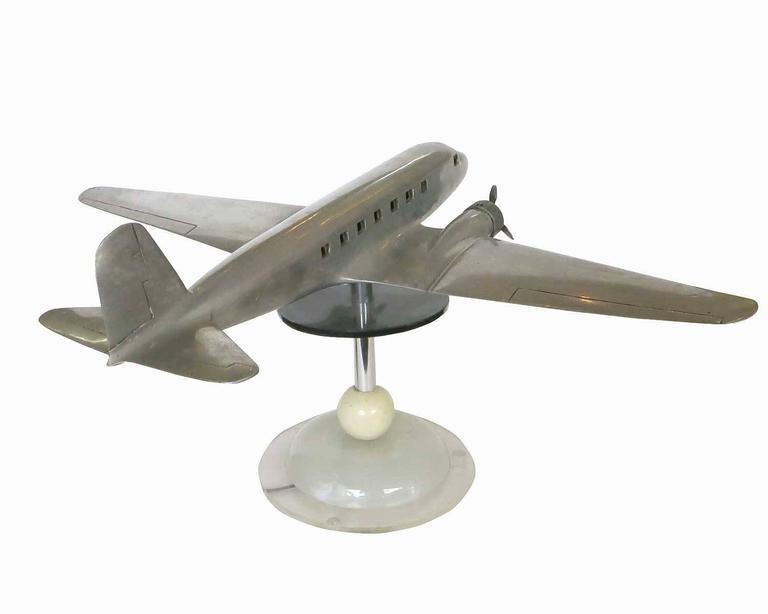 Douglas DC-2 Airplane Aluminum Model Lamp, circa 1934 3 - Douglas DC-2 Airplane Aluminum Model Lamp, Circa 1934 For Sale At