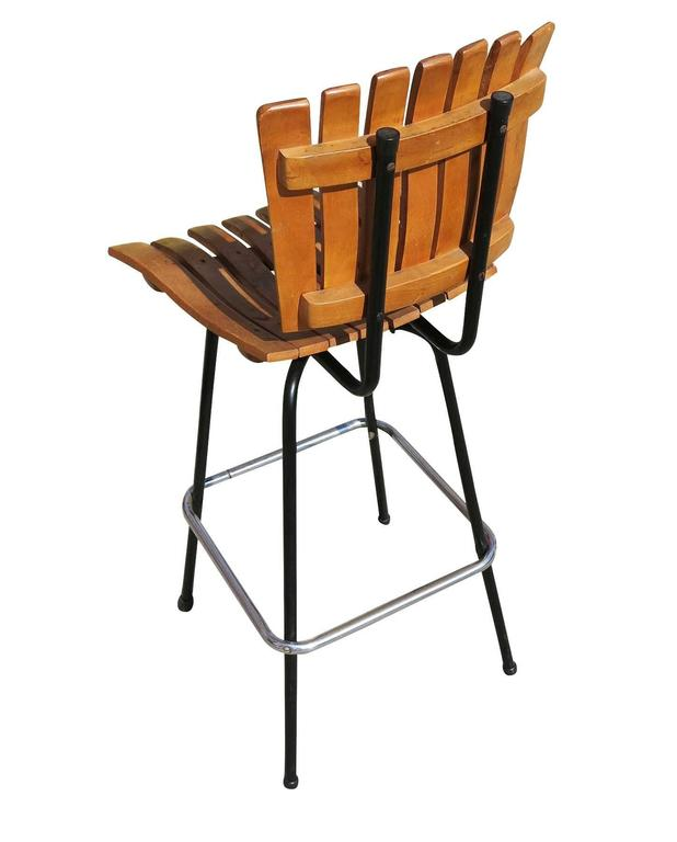 Arthur Umanoff Style Slat Wood Bar Stools, Pair In Excellent Condition For Sale In Van Nuys, CA