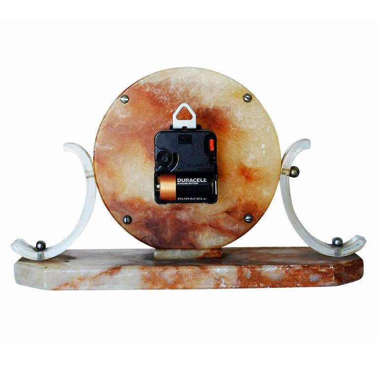 Mid-Century Acrylic and Marble Modernist Mantel Clock In Excellent Condition For Sale In Van Nuys, CA