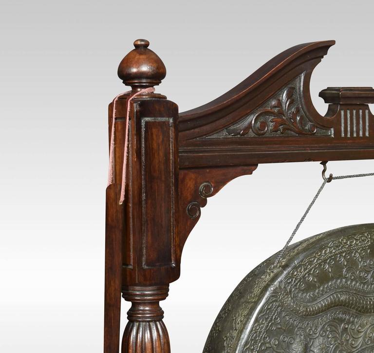 Early 20th Century Walnut Framed Floor Standing Dinner Gong For Sale 1