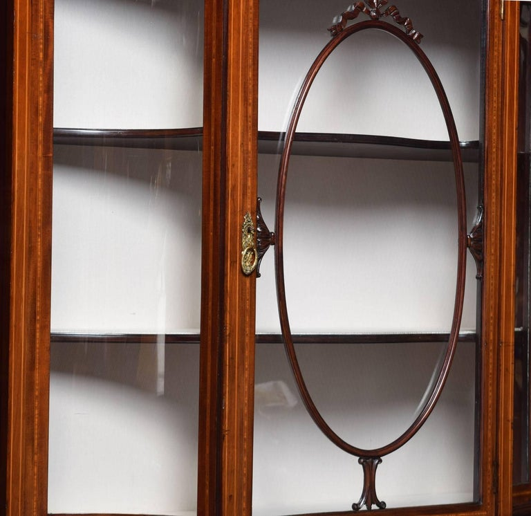 Edwardian Inlaid Mahogany Display Cabinet In Excellent Condition For Sale In Cheshire, GB