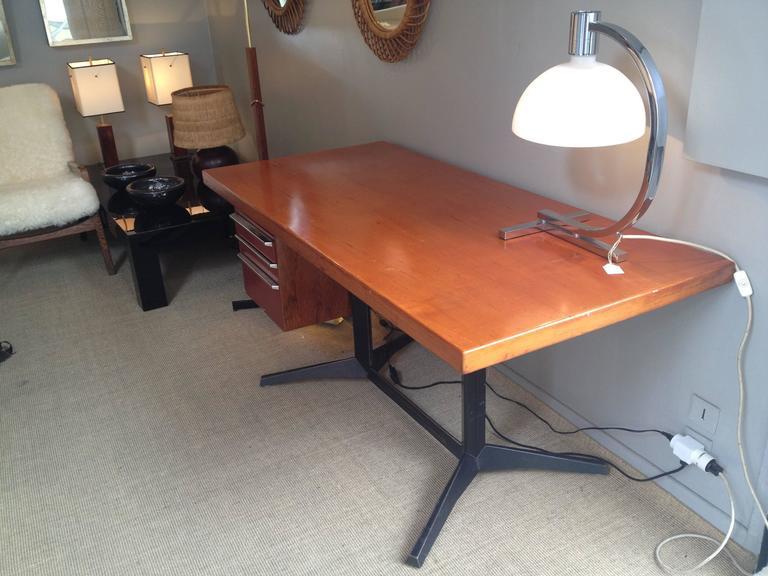 Nice Desk by Daciano da Costa 3