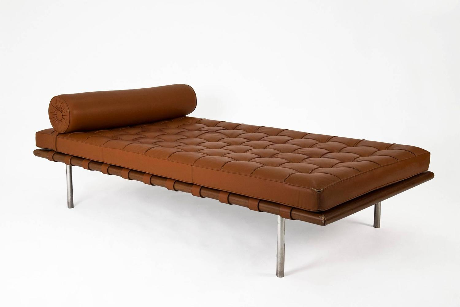 barcelona daybed by mies van der rohe for knoll 1953. Black Bedroom Furniture Sets. Home Design Ideas