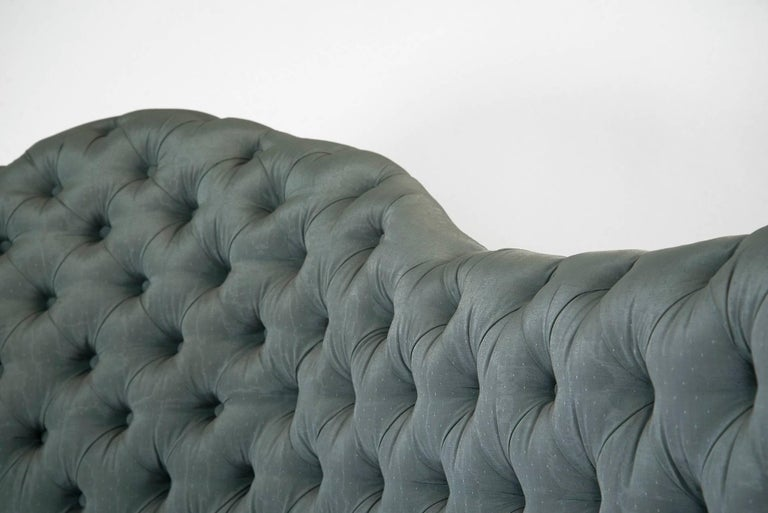 Mid-20th Century Powder blue silk after Carlo Mollino Curved Capitonné Velvet Sofa, Italy, 1950s For Sale