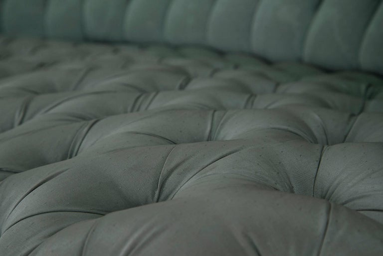 Powder blue silk after Carlo Mollino Curved Capitonné Velvet Sofa, Italy, 1950s In Good Condition For Sale In Milan, IT