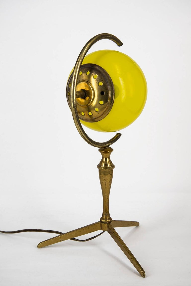 "Italian Pair of ""Incamiciato"" Murano Glass and Brass Table Lamps, Italy, 1950s For Sale"