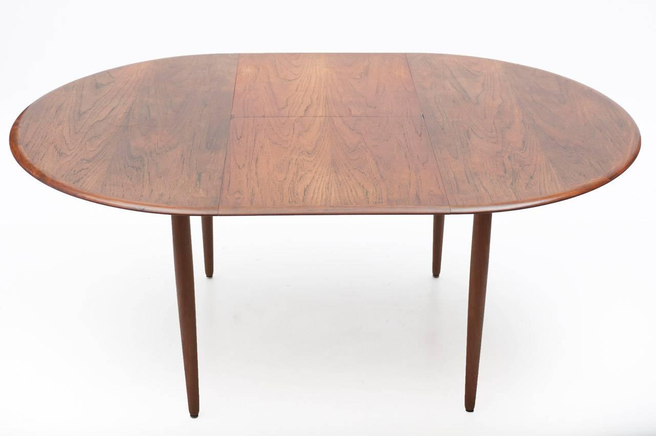 Scandinavian extensible dining table 1960s at 1stdibs for Table 160 extensible