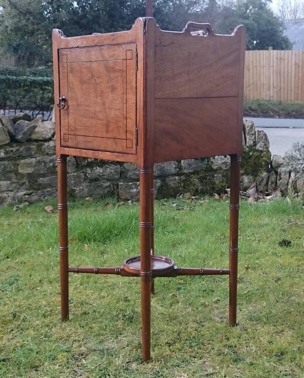 British 18th Century George III Period Mahogany Bedside Cupboard For Sale