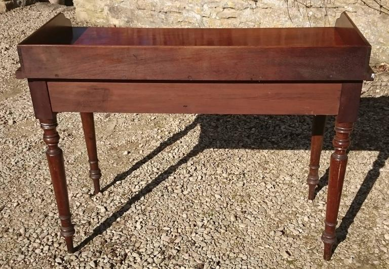 19th Century Mahogany Serving Table For Sale 2