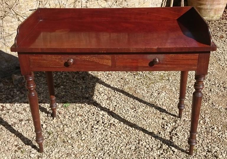 Early Victorian 19th Century Mahogany Serving Table For Sale