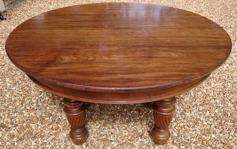 Large 19th Century Mahogany Extending Antique Dining Table For Sale 3
