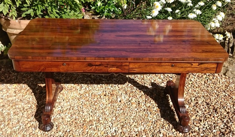 Veneer Important 19th Century Rosewood Antique Library Table or Sofa Table  For Sale - Important 19th Century Rosewood Antique Library Table Or Sofa Table