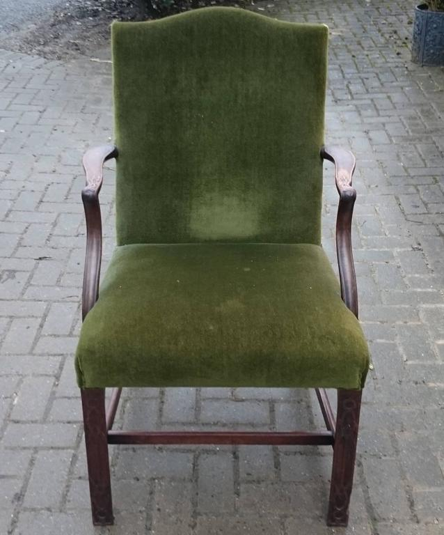 19th Century Gainsborough Library Chair in the Manner of Thomas Chippendale For Sale 1