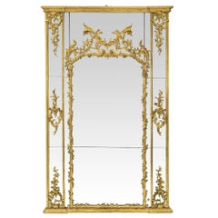 Italian 18th Century Giltwood Mirror with All the Original Mirror Plates