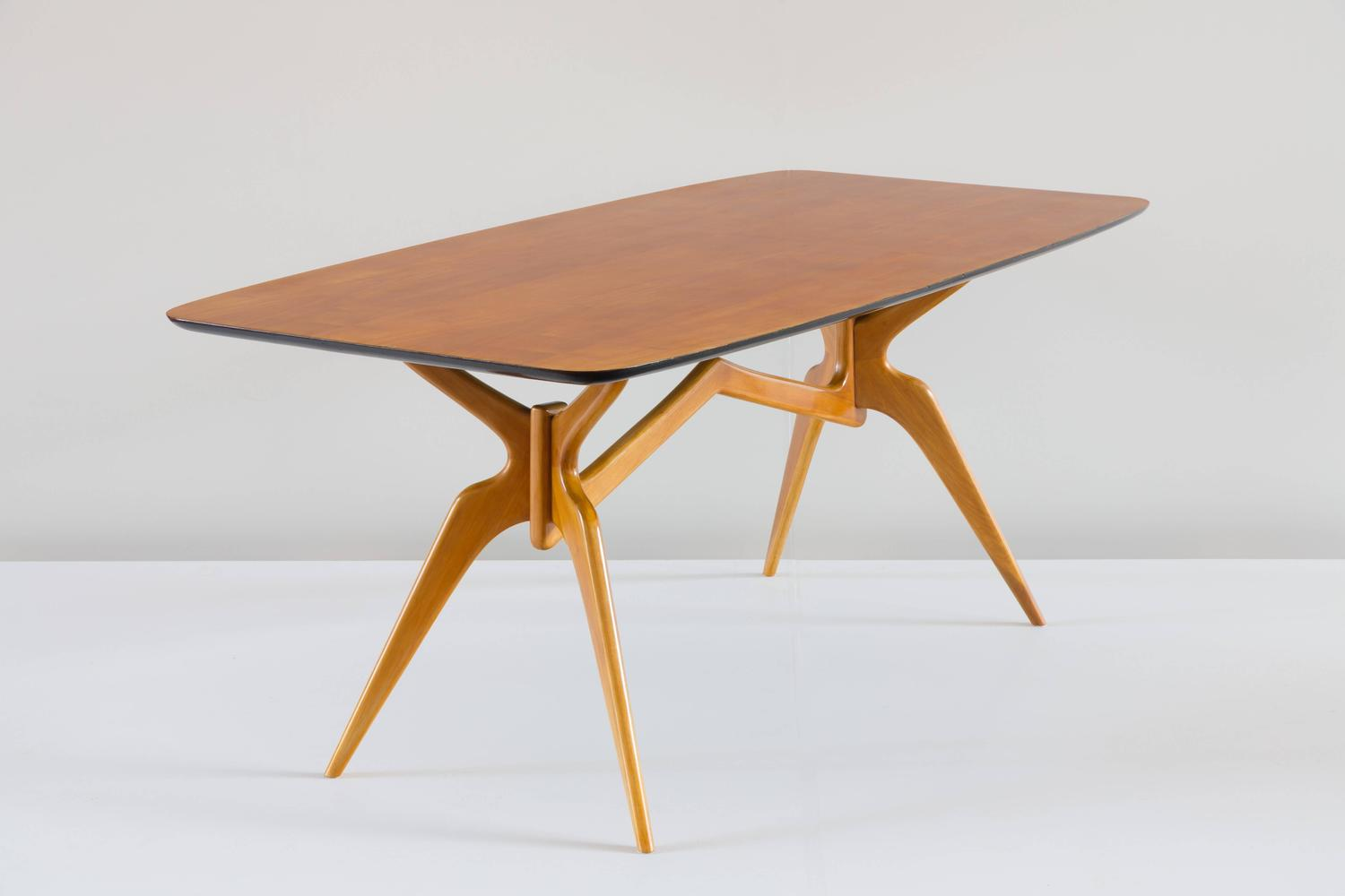 Sculptural Blonde Dining Table Attributed To Ico Parisi