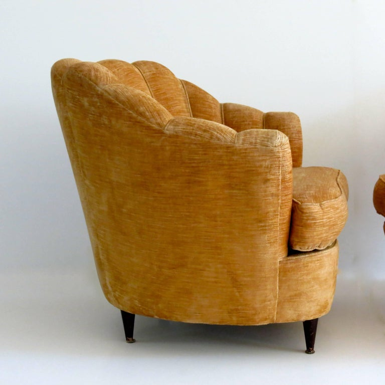 Pair of Large Armchairs Attributed to Guglielmo Ulrich, 1950 In Good Condition For Sale In Rome, IT