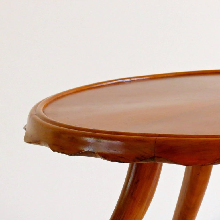 Art Deco Osvaldo Borsani Midcentury Blond Walnut Round Coffee Table, 1940 For Sale