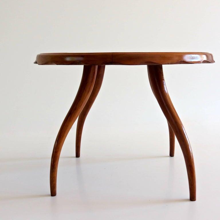 Italian Osvaldo Borsani Midcentury Blond Walnut Round Coffee Table, 1940 For Sale