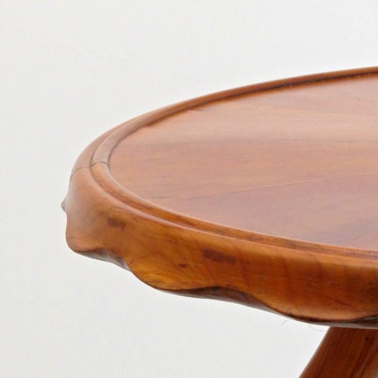 Mid-20th Century Osvaldo Borsani Midcentury Blond Walnut Round Coffee Table, 1940 For Sale