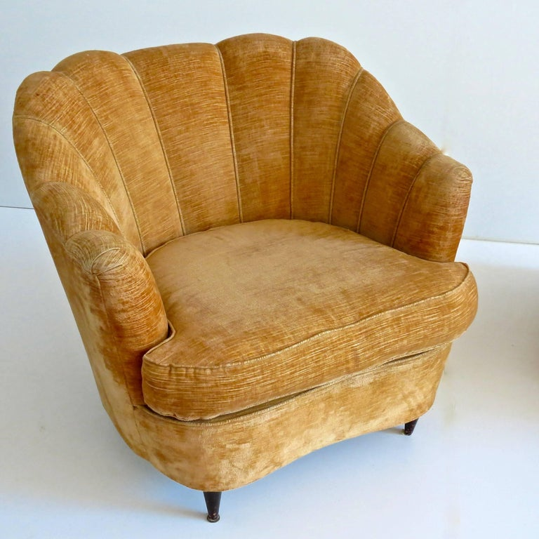 Italian Pair of Large Armchairs Attributed to Guglielmo Ulrich, 1950 For Sale
