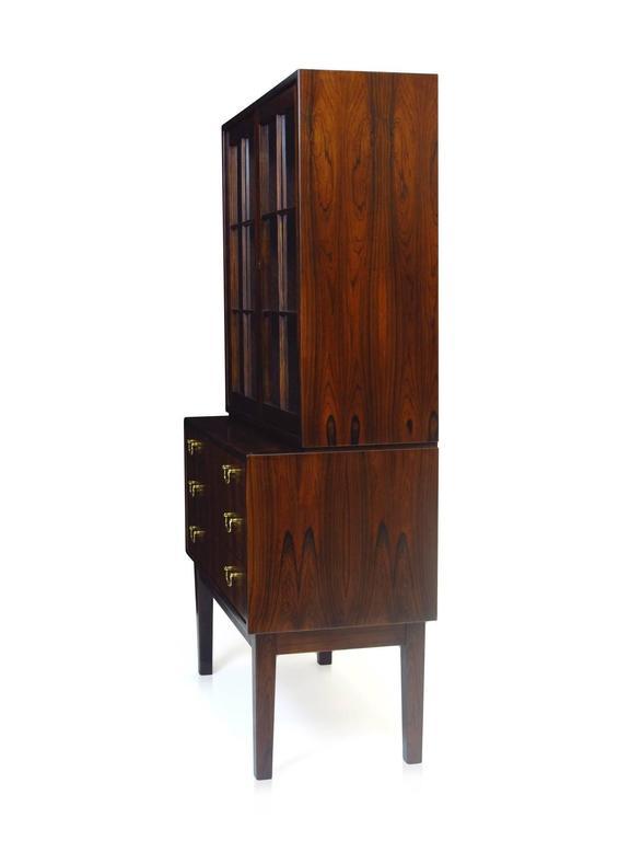 Ole Wanscher Danish Rosewood Curio Cabinet In Excellent Condition For Sale In Berkeley, CA