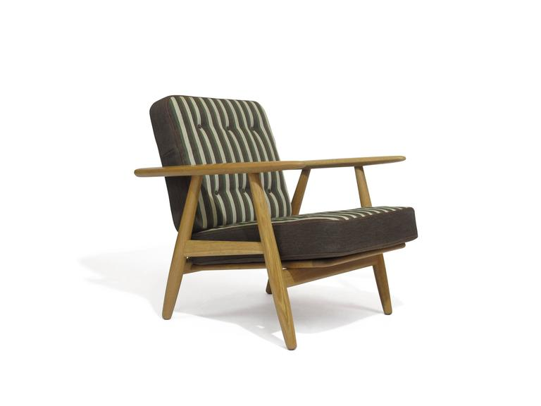 Hans Wegner Cigar Lounge Chair in Oak For Sale at 1stdibs