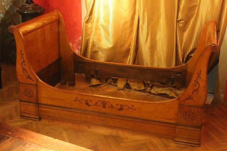A 19th Century Biedermeier Sleigh Bed with Maple Root Veneer  2