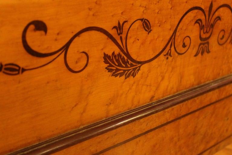 A 19th Century Biedermeier Sleigh Bed with Maple Root Veneer  5
