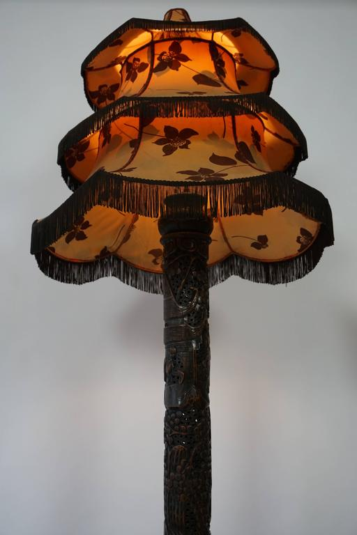 1920s Fine Antique Chinese Rosewood Carved Table Lamp with Pagoda Shade For Sale 1