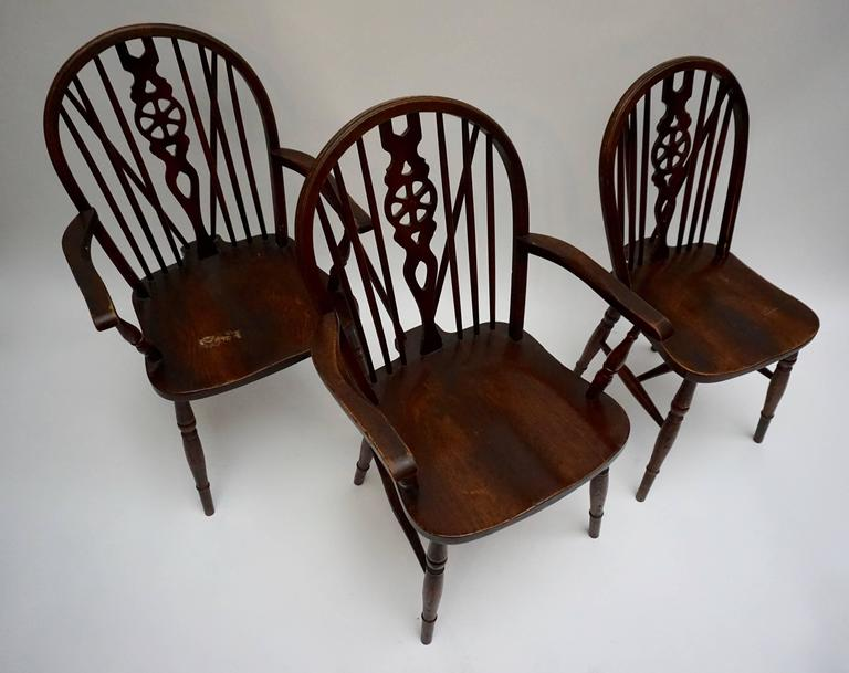 20th Century Set of Six English Windsor Chairs For Sale
