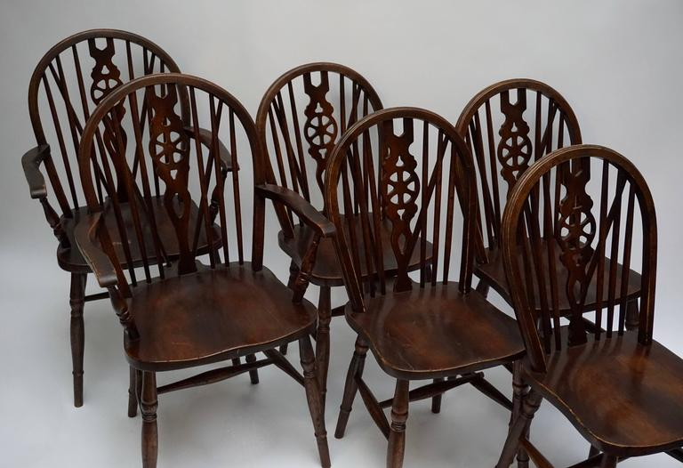 Set of Six English Windsor Chairs For Sale 1