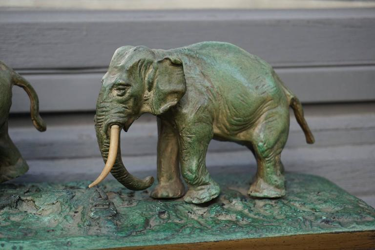 Early 20th Century Bronze Sculpture of Elephants For Sale 1