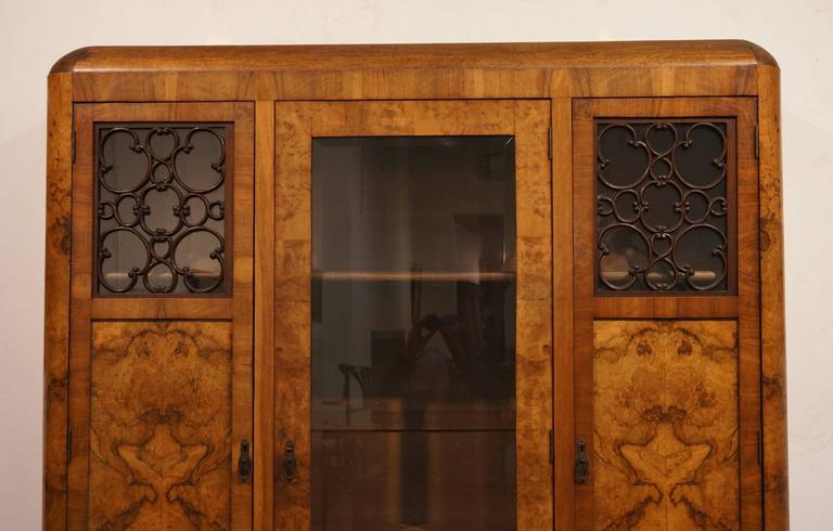 Art Deco Three-Door Armoire, circa 1930 In Excellent Condition For Sale In Antwerp, BE