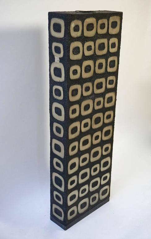Rare large floor lamp. Measures: Height 134 cm. Width 46 cm. Depth 15 cm.