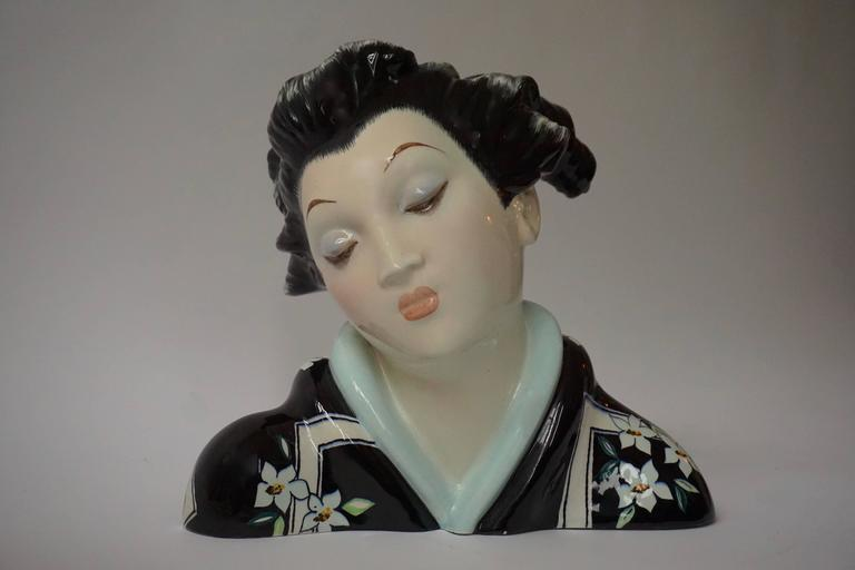 Japanese Porcelain Sculpture of a Geisha For Sale 1