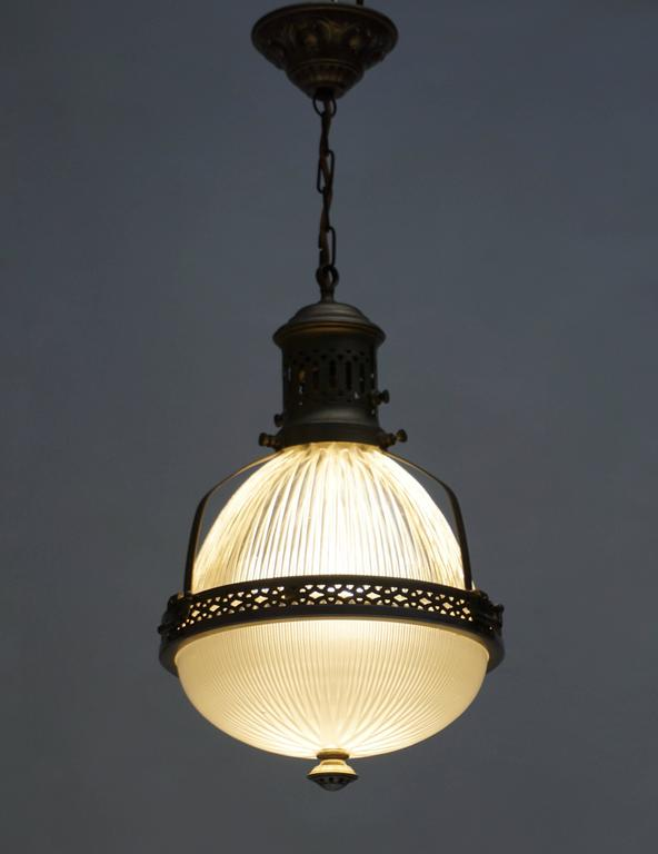 Mid-Century Modern Italian Murano Glass and Brass Pendant Light For Sale