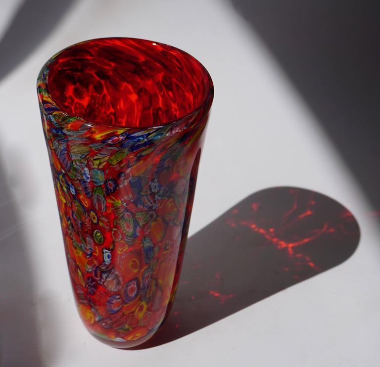 Italian Murano glass vase. Measures: Diameter 16 cm, height 32 cm.
