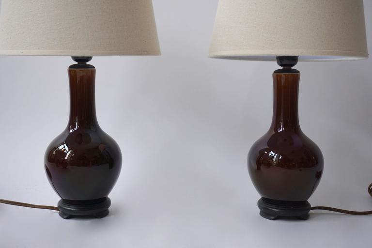 Two ceramic table lamps. Measures: Height 41 cm. Diameter 24 cm.